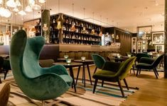 With easy access to the city, Motel One is certainly one of the best luxury hotels in Amsterdam providing you with a typical cosy yet modern experience with more ties with the city than nature.#hotelsinamsterdam #hotelsinamsterdamcentral #hotelsinamsterdambest #amsterdambest #amsterdamhotels #amsterdamhotelsluxury #wheretostayinamsterdamhotels Hotel Lounge, Das Hotel, Hotel S, Design Hotel, Best Hotels In Amsterdam, Motel One, Cosy Bed, Dog Friendly Hotels, Europe Continent