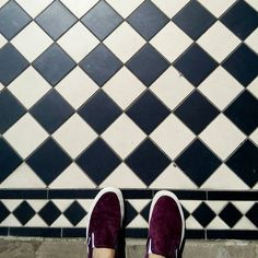 #bath #floors #tiles #francishotel #tileaddiction #blackandwhite #ihaveathingwithfloors #ihavethisthingwithfloors #ihavethisthingwithtiles #vans #hotel #geometry #mosaic #squares #uk #chess #fromwhereistand #selfeet #shoestagram #shoeselfie #contrast #slipon #design #damier #minimal #mindtheminimal #minimalmood #minimalism #pattern by rorozlibellule