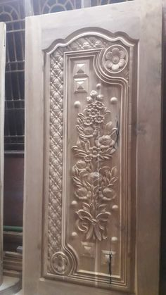 House Main Door Design, Single Door Design, Wooden Front Door Design, Door Design Interior, Wooden Front Doors, Wood Carving Designs, Wood Carving Art, Box Bed Design, Door Design Photos