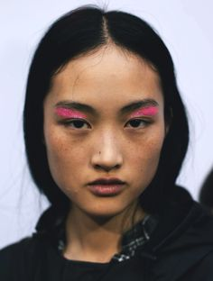 vuittonable: jing wen bei giambattista valli s / s 16 - Make-up Geheimnisse Makeup Trends, Makeup Inspo, Makeup Art, Makeup Inspiration, Beauty Makeup, Face Makeup, Hair Beauty, Writing Inspiration, Art Visage
