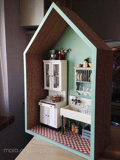 Miniature 1930's Kitchen Conner by ankanka on Flickr.