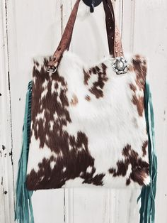 Hair on Hide Cowhide Tote one of a kind gift by Hank & Henrietta Cute Country Outfits, Western Outfits, Yoga Jewelry, Hippie Jewelry, Tribal Jewelry, Modern Hippie, Hippie Chic, Hippie Style, Cowhide Purse