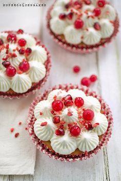 Elderflower yogurt cupcakes