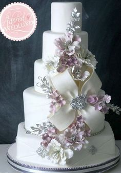 Wedding Cake **This is the picture of the Bow that I want to do on your cake.