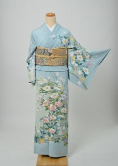 ここや日記   きものショップ 古々屋 Japanese Geisha, Japanese Kimono, Japanese Outfits, Japanese Fashion, Kimono Dress, Kimono Top, Kimono Japan, Wedding Kimono, Ethnic Outfits