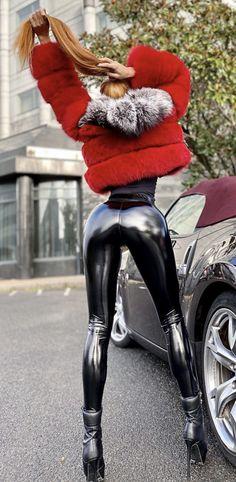 Shiny Leggings, Women's Leggings, Latex, Fetish Fashion, Skin Tight, Beautiful Legs, Fox Fur, Leather Pants, Furs