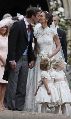 Pippa Middleton se casou neste sábado com James Matthews, na igreja St. Marks Englefield, em Berkshire. Kate Middleton, irmã da noiva, e o príncipe William foram padrinhos. George e Charlotte foram o pajem e daminha Kirsty Wigglesworth / AP