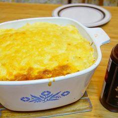 晩御飯はアメリア💁🏼作のコテージパイ。フィリングはしげぼんから以前お土産にもらった「No.1ソース」を使用。仕上げはブラザーズのBBQソースを食べるときにお好みでかけて頂きます😎 #meallog #food #foodporn #tw #💁🏼作