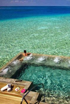 Incredible! private bungalow with a spa within the Indian Sea, at the Hotel Vessaru in the Maldives