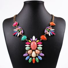 Vintage Alloy Resin Beads Pendant Necklace Inlaid Drill Women Ladies Jewelry Necklace