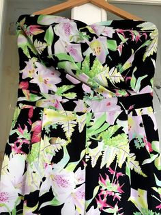 6b24ef91c8a LADIES PRETTY FLORAL STRAPLESS JUMPSUIT Size 14 Frm LIPSY Ideal Any  Occasion!  fashion