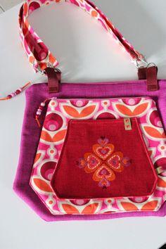 taschenspieler sew along die multitasche Sewing Hacks, Purses And Bags, Pink, Shoulder Bag, Handbags, Pattern, Accessories, Satchel Handbags, Purses