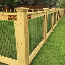 15 Unutterable Fencing Gate Lock Ideas 10 Portentous Cool Tips Small Fence Modern fence painting art Rusty Metal Fence farm fence wood pallets Small Fence Curb Appeal Brick Fence, Front Yard Fence, Farm Fence, Metal Fence, Pool Fence, Backyard Fences, Garden Fencing, Fenced In Yard, Rusty Metal