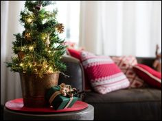 Have you already got your Christmas tree? How to choose a stand? Here are some brilliant DIY Christmas tree stand bucket ideas for you! Mini Christmas Tree Decorations, Tabletop Christmas Tree, Small Christmas Trees, Beautiful Christmas Trees, Holiday Tree, Christmas Diy, Christmas Lights, Christmas Ornaments, Navidad Diy