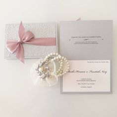 """24 To se mi líbí, 1 komentářů – Adéla Vlasáková (@weddingsbyadlina) na Instagramu: """"Monika s Františkem se v úterý můžou těšit na balíček... ❤💌💍 #svatebni #oznameni #svatba #wedding…"""""""