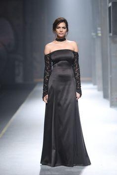 namrata joshipura at amazon india fashion week aw17 see collection here- http://designerwings.in/see-alia-bhatt-stops-show-namrata-joshipura-amazon-india-fashion-week-aifw-aw-17/