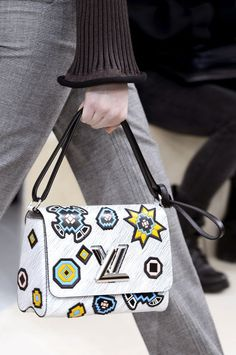 30 super cool bags from the Fall Winter fashion shows--Louis Vuitton Fall Winter Unique Purses, Cute Purses, Louis Vuitton Shoes, Vuitton Bag, Paris Fashion, Autumn Fashion, Fashion 2015, Latest Handbags, Women's Handbags
