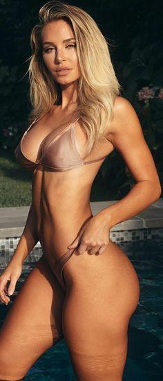 Bikini Beach, Hot Bikini, Bikini Girls, Bikini Babes, Beautiful Blonde Girl, Beautiful Women, Beautiful Eyes, Beach Girls, Bikini Models