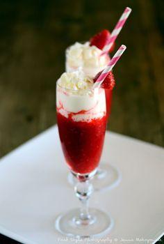 Cocktail fraises et framboises et chantilly au yaourt