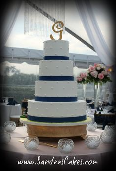 7-tiered Elegant Wedding Cake . . .
