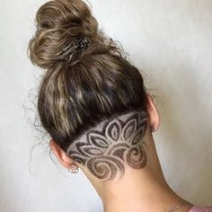best medium lenght straight haır for women in ponytail hairstyles you should tr Shaved Undercut, Undercut Long Hair, Mens Hairstyles Pompadour, Undercut Pompadour, Ponytail Hairstyles, Wedding Hairstyles, Haare Tattoo Designs, Undercut Hair Designs, Shaved Hair Designs