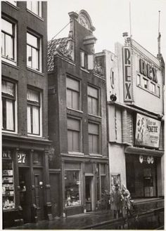 In 1950's there were 3 movie theaters on the Haarlemmerstraat in Amsterdam: Hollandia, Apollo and Rex. In the photo the Rex theater. #amsterdam #1950 #Haarlemmerstraat