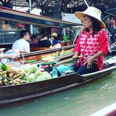 Floating market, Thailand (November 2015) November 2015, Thailand, Marketing, World, Instagram Posts, Fun, Travel, Beautiful, Viajes