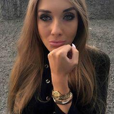 Zauberhafelte @nala_style mit unser #armband #bracelet #ootd #photooftheday #jewelry #schmuck #leather #leder #bloggers #accessories #beautiful #cool #art #girl #fashion #design #polishgirl #instagood #selfie #warsaw #warsawgirls #austria #Österreich #cowstylers Ootd, Selfie, Models, Bracelets, Instagram Posts, Beautiful, Jewelry, Design, Style