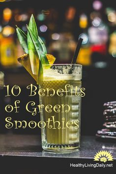 Green smoothies are made with leafy greens that are loaded with antioxidants and vitamins which offers maximum nutrition. Read this article to find out more. Eating Alone, Healthy Green Smoothies, Create A Recipe, Natural Health Tips, Mixed Fruit, Health Facts, Health And Wellness, Benefit, How To Find Out