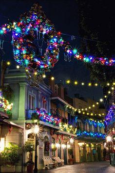 New Orleans Square -Disneyland 💙💖💚