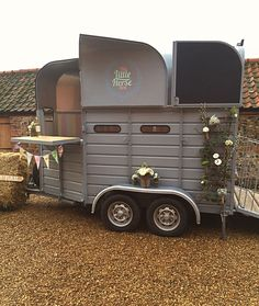 The Little Horse Box. A luxury mobile bar for couples tying the knot in style.