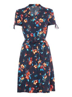 Check out the new womens clothing at Tu clothing online. Sainsbury's Tu clothing can be found in selected Sainsbury's stores across the UK. Floral Tea Dress, Floral Print Maxi Dress, Capsule Wardrobe, Wardrobe Ideas, Green Lace, Striped Dress, Wrap Dress, Summer Dresses, Clothes For Women