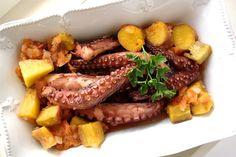 A nossa história e localização liga-nos ao mar e às artes da pesca. Ser português é sinónimo de gostar de peixe. E a nossa gastronomia é tã...