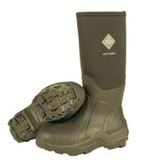 The Arctic Sport Muck Boot is the most incredible wellington boot which keeps your feet warm even down to -40C. This is thanks to the unique inner fleece lining and neoprene construction.