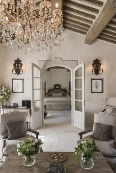 Nice French Country Decor - Locating Fast Programs Of French Country Cottage Style Decor - Makeoldo French Country House, Country Decor, Country Interior, House Styles, French Country Interiors, Rustic Chic Design, Country Bedroom, Tuscan Design, Country House Decor