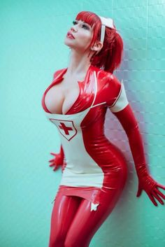 Bianca Beauchamp | Nurse | latex cosplay