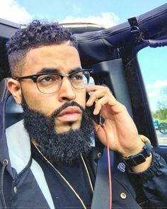Long Top, Short Sides and Back - 40 Stirring Curly Hairstyles for Black Men - The Trending Hairstyle Black Men Haircuts, Black Men Hairstyles, 1940s Hairstyles, Modern Haircuts, Prom Hairstyles, Black Men Beards, Handsome Black Men, Gorgeous Black Men, Beautiful Men