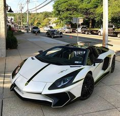 Wow Would you drive this Lamborghini? Luxury Sports Cars, Top Luxury Cars, Exotic Sports Cars, Exotic Cars, Luxury Auto, Lamborghini Aventador, Lamborghini Roadster, White Lamborghini, Maserati Car