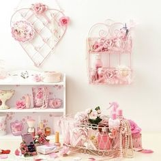wall o' pink...