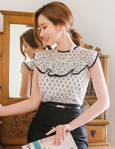 Romantic & Trendy Looks, Styleonme Cute Blouses, Blouses For Women, Classy Outfits, Casual Outfits, Beautiful Blouses, Office Outfits, Blouse Designs, Casual Looks, Dress To Impress