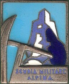 Vecio.it - La storia degli Alpini nel web - Scuola Militare Alpina Italian Army, Badges, Patches, War, Logos, Poster, Climbing, Name Badges, Badge