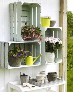 DIY-Ideen Holz -  alte Holzkisten als Balkonmöbel