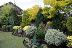 The Hidden Gardens of Bury St Edmunds Home Landscaping, Front Yard Landscaping, Privacy Landscaping, Evergreen Garden, Tiered Garden, Hidden Garden, Vegetable Garden Design, Garden Styles, Garden Inspiration