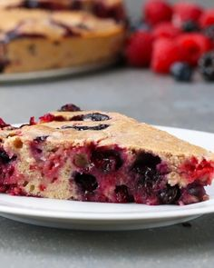 This Summertime Berry Buckle Is So Delicious And Fresh