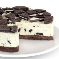 English Cheesecake company - Cookies n cream cheesecake. A good substitute for NYs Eileen's Cheesecake. Oreo Cheesecake Recipes, Cookies And Cream Cheesecake, Cookie Recipes, Dessert Recipes, Cheesecake Company, Oreo Cake, Oreo Cookies, Food Cakes, Sweet And Spicy
