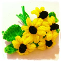pipe cleaner flowers. Pipe Cleaner Crafts. explanations and tutorials are available on the site www.pipecleanercrafts.co.uk