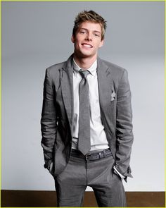 Hunter Parrish. Better known as Silas from Weeds.