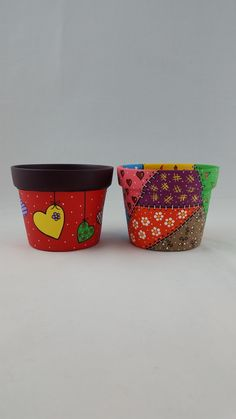Flower Pot Art, Clay Flower Pots, Painted Clay Pots, Painted Flower Pots, Quick Crafts, Diy And Crafts, Painted Jewelry Boxes, Decorated Flower Pots, Pottery Painting Designs