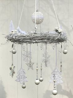 Festive white Christmas Chandelier wreath – white Christmas and Holiday decoration – hanging wreath shabby chic style – white mobile wreath Weißer Weihnachtsdekor – weißer [. Shabby Chic Chandelier, Shabby Chic Wreath, White Chandelier, White Christmas, Vintage Christmas, Diy Christmas, Hanging Ornaments, Christmas Ornaments, White Ornaments