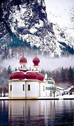 St. Bartholomew Church, Bavaria, Germany | Lugares que inspiran #Ámbar #Muebles                                                                                                                                                                                 Más